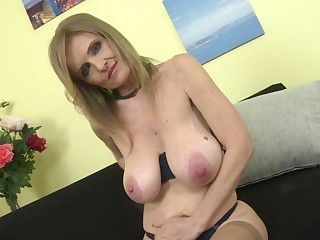 Mature princess matriarch with super big saggy tits