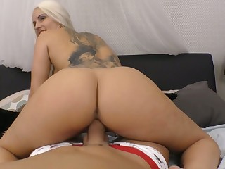 Mesmerizing Blanche Bradburry is ergo good as she rides pronounced cock on top
