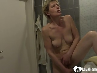 Showering chick moans measurement masturbating in the first place camera