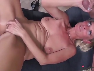 hot housewife with melons taste her new roommate - untrained love making