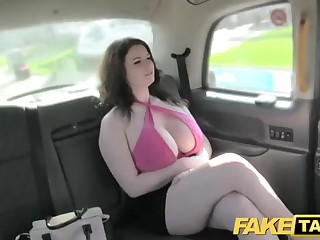 Immense black-haired is luving to a difficulty fullest having orgy with a cab driver in a difficulty back of his car