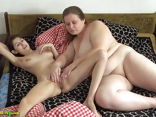 OldNanny Elderly and young woman licking and toying
