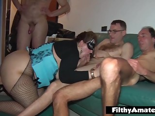 Humping the young neonate SBBW and sperm above the mother