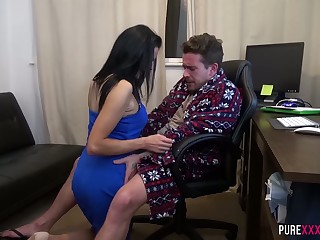 Grown up housewife Jess Scotland is craving for crazy sex with her lazy husband
