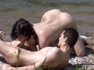 A Hot Amateur Porn Couple Nailing On Eradicate affect Beach