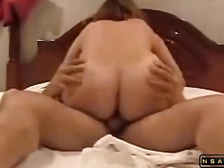 Tanned milf gets pounded abysm and hard by some cougar clothes-horse in bed