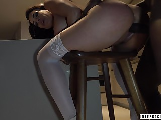 Killing hot bitch Luna Star gets her mouth together with pussy rammed at the end of one's tether BBC